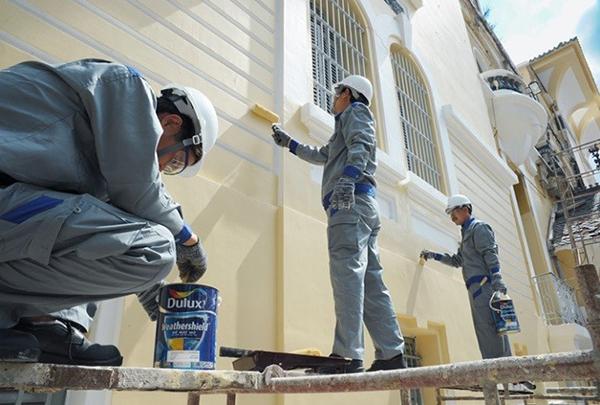 Thi công sơn bả tường nhà công trình